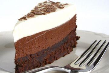 Regele torturilor: Tort in trei culori cu mousse de ciocolata!