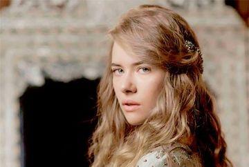 """Frumoasa Anastasia din """"Kosem"""" a vizitat tara noastra! Tanara cu origini romanesti este fascinata de frumusetea locurilor"""