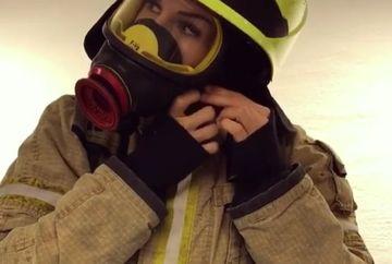 Un barbat a vrut sa ii multumeasca personal pompierului care l-a salvat din ghearele flacarilor. A ramas uimit cand a vazut ca spre el se indrepta o femeie, dar asta nu a fost tot. Nu i-a venit sa creada cum arata cand si-a dat masca jos