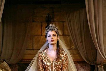 """Actrita Gulcan Arslan (Sultana Fahriye) schimbare spectaculoasa de look dupa plecarea din serialul """"Kosem""""! Iata cum arata aceasta si cine este iubitul ei"""
