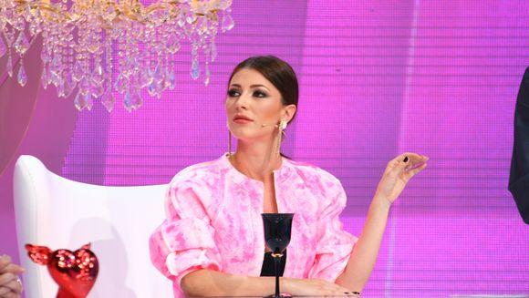 "Astazi, la ""Bravo, ai stil!"": Ilinca Vandici îi ia locul Iuliei Albu si o imita perfect"