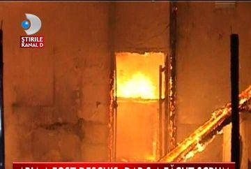 S-A DEZLANTUIT IADUL! Cladirea unui bar a ars din temelii!