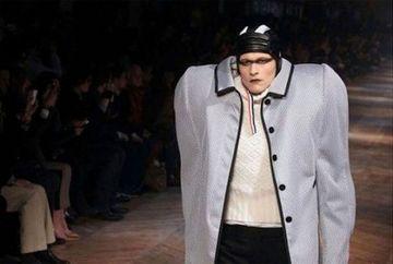 Prezentari de moda, DE COSMAR! Cele mai BIZARE creatii ale designerilor internationali GALERIE FOTO