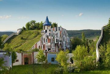 Ti-ar placea SA LOCUIESTI in asemenea case? GALERIE FOTO