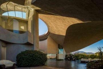 Vezi ce are atat de SPECIAL casa din imagini! Ai putea sa locuiesti aici? GALERIE FOTO