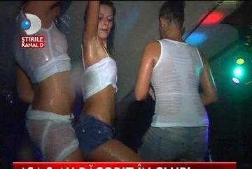 Noapte fierbinte intr-un club din Timisoara. Vezi cum s-au racorit fetele! VIDEO