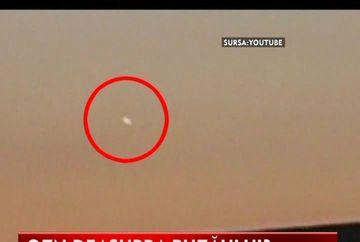 OZN deasupra Buzaului? Uite ce au surprins localnicii pe cer! VIDEO