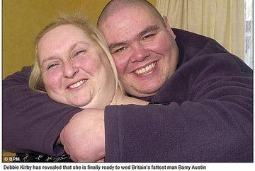 Se casatoreste cu cel mai gras om din Marea Britanie. Vezi cum arata viitorul ei sot