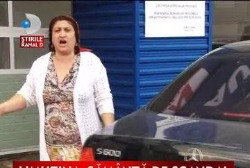 Scandal la o spalatorie auto. Proprietarul unei masinii s-a luat la bataie cu angajatii VIDEO