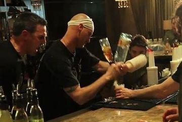 El e cel mai rapid barman din lume. Cate cocktailuri crezi ca a facut intr-o ora? VIDEO