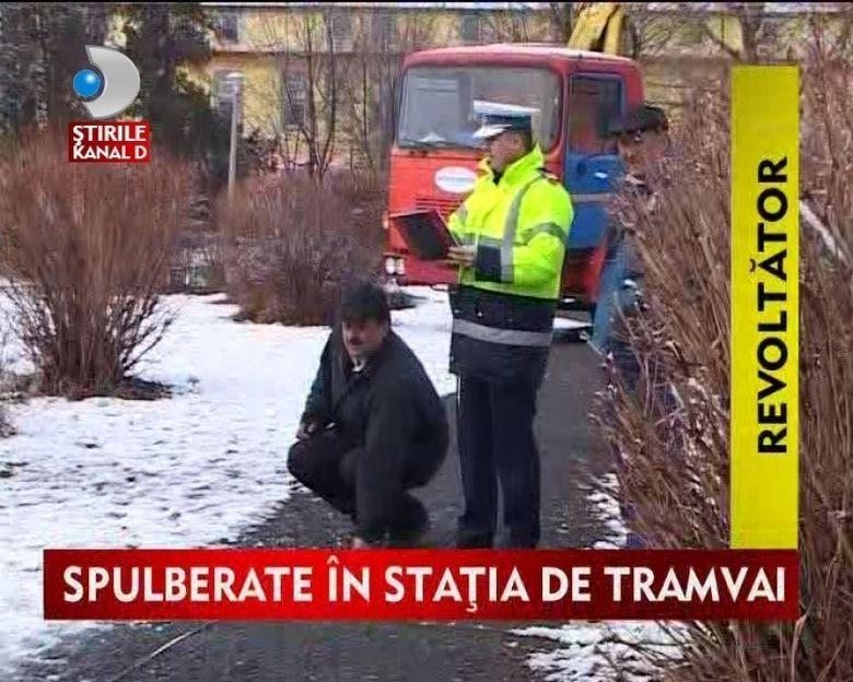 Lovite din plin in timp ce asteptau autobuzul. Doua femei grav accidentate la Sibiu VIDEO