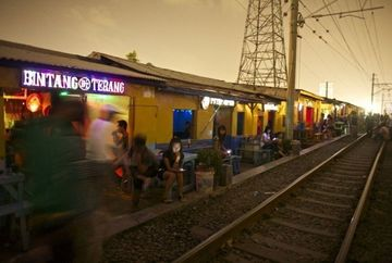 HALUCINANT! Cum arata borderurile din Jakarta, oras unde prostitutia este singura atractie turistica
