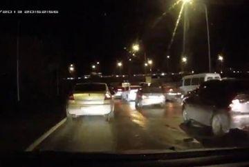 Scene socante in trafic! Astepta linistit la semafor cand ceva cutremurator s-a intamplat