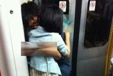 Au ramas cu gura cascata cand au vazut ce au putut sa faca doi tineri in metrou