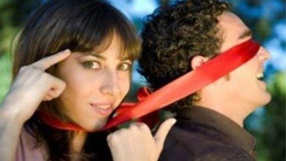 Cat de naiv e partenerul tau si cum poti sa-l manipulezi, in functie de zodia sa
