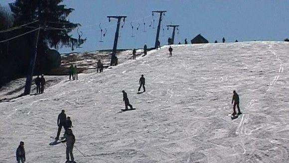 Iubitorii sporturilor de iarna isi iau adio de la zapada!