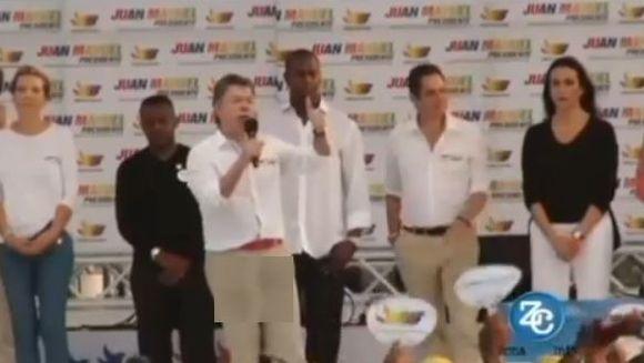 Presedintele Columbiei, surprins intr-o IPOSTAZA JENANTA in timpul unui discurs