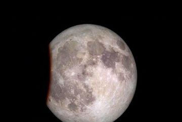 ECLIPSA TOTALA de Luna, fenomen denumit Luna Sangerie, are loc marti in America de Nord si de Sud