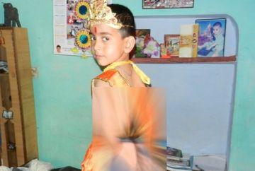 Un baietel, DIVINIZAT ca zeitate in India din cauza ca are o pilozitate excesiva intr-o zona mai putin obisnuita a corpului