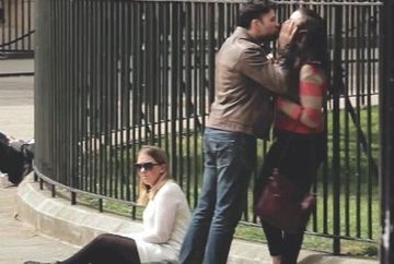 Un barbat si-a AGRESAT iubita in public. Nu o sa-ti vina sa crezi ce reactie au avut trecatorii!