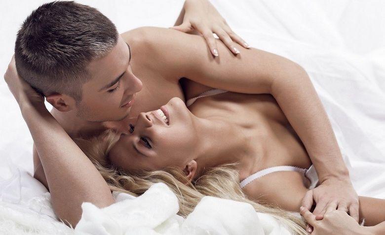 Partenerul tau nu este prea dotat? Uite cum poti simti mai multa placere in timpul actului sexual!