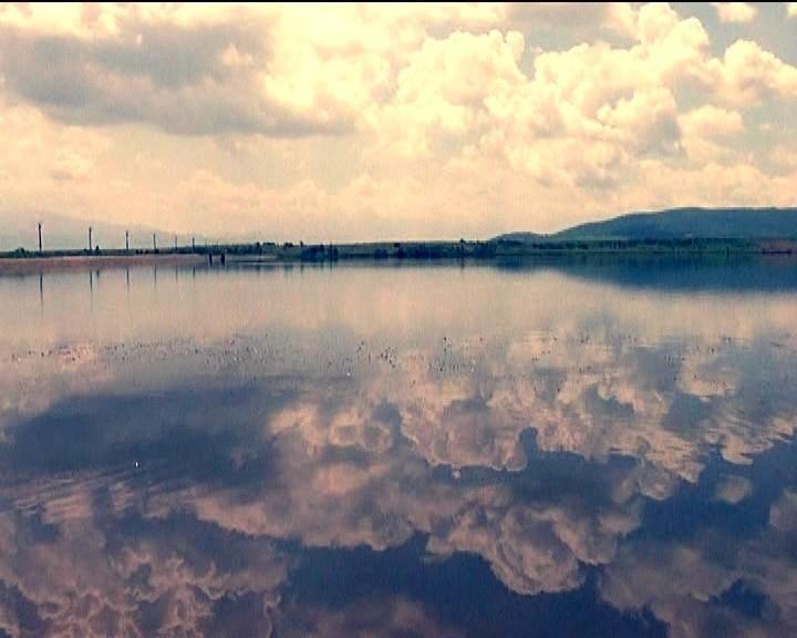 Este un loc de poveste, dar lacul de la Dumbravita ascunde un SECRET TERIBIL!