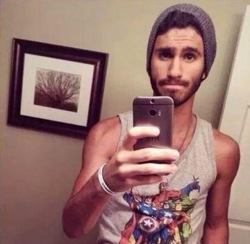 Familia acestui tanar a facut un GEST INCREDIBIL dupa ce barbatul a postat un selfie pe net