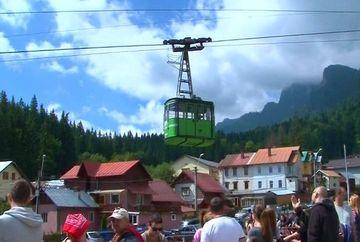Turistii au luat cu asalt statiunile montane! Aglomeratie la maxim la munte