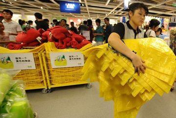 MOTIVUL INCREDIBIL pentru care chinezii au luat cu asalt magazinele de mobila