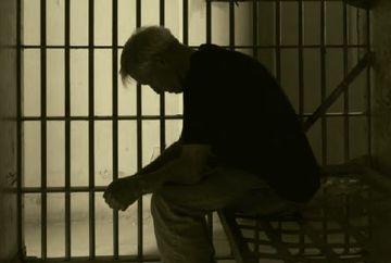 HALUCINANT. A mers la penitenciar ca sa-si viziteze fiul, dar a fost inchis fara ca sa fie macar condamnat