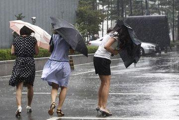 AVERTIZARE de ploi si vijelii in toata tara, marti si miercuri. Vezi care sunt cele mai vizate judete!