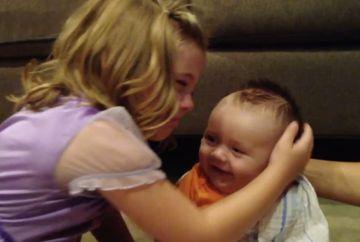 VIDEO EMOTIONANT care face inconjurul Internetului! Cum REACTIONEAZA o fetita cand isi da seama ca fratiorul ei nu va ramane bebelus