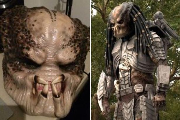 Vesti bune pentru fanii seriei Predator. S-a scos la vanzare costumul care a dat viata celebrului personaj