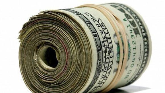 Si-a ascuns economiile in casa pentru ca nu avea incredere in banci. Era sa faca INFARCT cand a vrut sa ia banii!