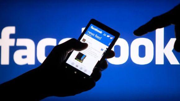 MOTIVUL pentru care Facebook nu a functionat miercuri seara, timp de 20 de minute!
