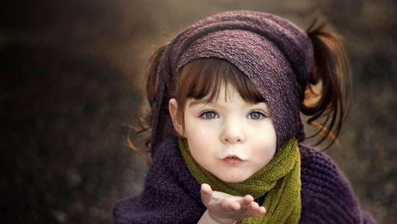 E o MINUNE de copil, dar ascunde un SECRET tulburator. Priveste cu atentie fotografia!