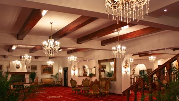 "Poftiti in imparatia de la ""Aurelius Imparatul Romanilor"", cel mai frumos si elegant hotel montan din Romania!"