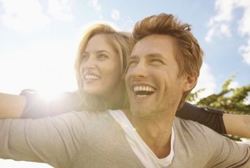 Cum stai la capitolul dragoste? Astrele iti dezvaluie cum sa iti imbunatatesti relatia sau sa gasesti iubirea