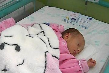 Mai multi bebelusi nascuti prematur au asistat la primul concert din viata lor. Priviti-i pe acesti micuti cat de frumos dorm!