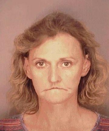 INFIORATOR. Nu o sa-ti vina sa crezi cum arata aceasta femeie dupa ce a devenit dependenta de droguri!