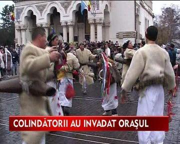 Colindatorii au invadat orasul Galati. Zeci de tineri si varstnici au colindat pe strazile urbei!