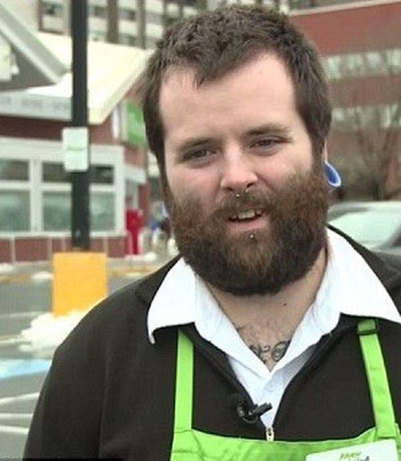 GESTUL acestui angajat al unui supermarket fata de o pensionara OARBA a facut incojurul lumii! ASA da!