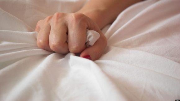 Trei moduri in care trebuie sa te atingi pentru orgasme incredibile!