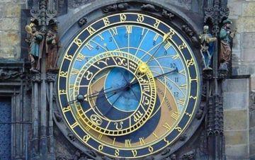 Horoscopul lunii aprilie 2015 - Ce zodii se imbogatesc luna viitoare