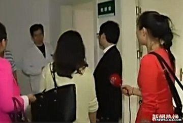 Adevaratul barbat fatal traieste in China! A reusit sa ascunda 17 IUBITE. Uite cum s-a dat de gol