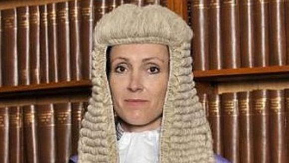 A fost prins facand sex cu o MINORA in parcare. Cand a auzit toata povestea, judecatorul si-a cerut scuze!