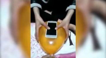 Ce crezi ca se intampla daca pui un telefon pe un balon si apesi pe el? Experimentul pe care trebuie sa il incerci si tu acasa