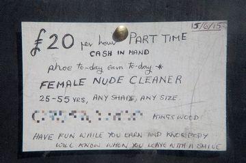 Un pensionar a impanzit orasul cu anunturi in care cauta o femeie care sa ii faca curat DEZBRACATA. Reactia primita a fost neasteptata