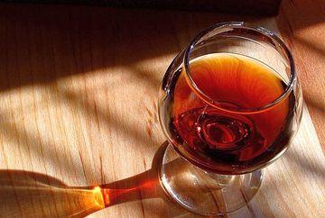 A comandat un pahar de vin, dar a murit dupa ce a luat prima inghititura! E cutremurator ce a baut de fapt