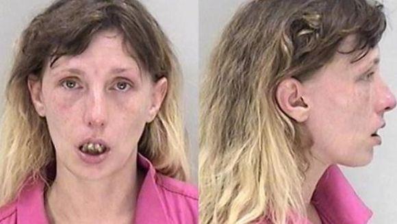 E incredibil ce a facut aceasta femeie dupa ce un barbat a refuzat sa faca sex cu ea! Politistii au arestat-o
